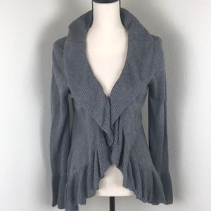 Daisy Fuentes Gray Ruffle Sweater Size M